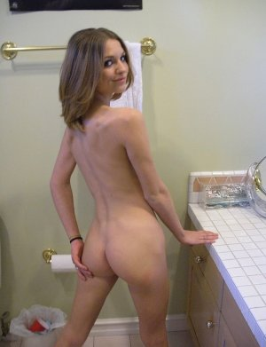 Clara-rose escort girls in Midwest City, OK
