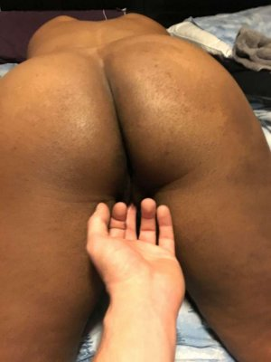 Leyla happy ending massage Dalton, GA